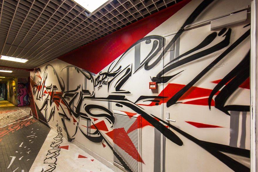 100-graffiti-artists-university-painting-rehab2-paris-13-596dae9516446__880.jpg