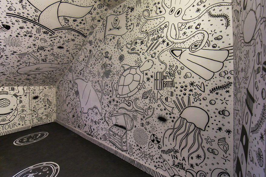 100-graffiti-artists-university-painting-rehab2-paris-596db5f5f24c2__880.jpg