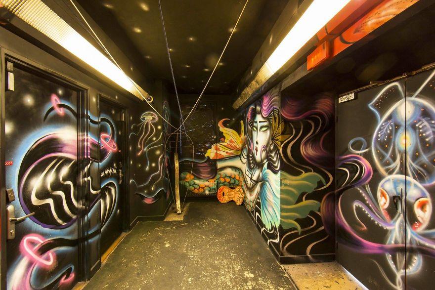100-graffiti-artists-university-painting-rehab2-paris-596db7912ab61__880.jpg