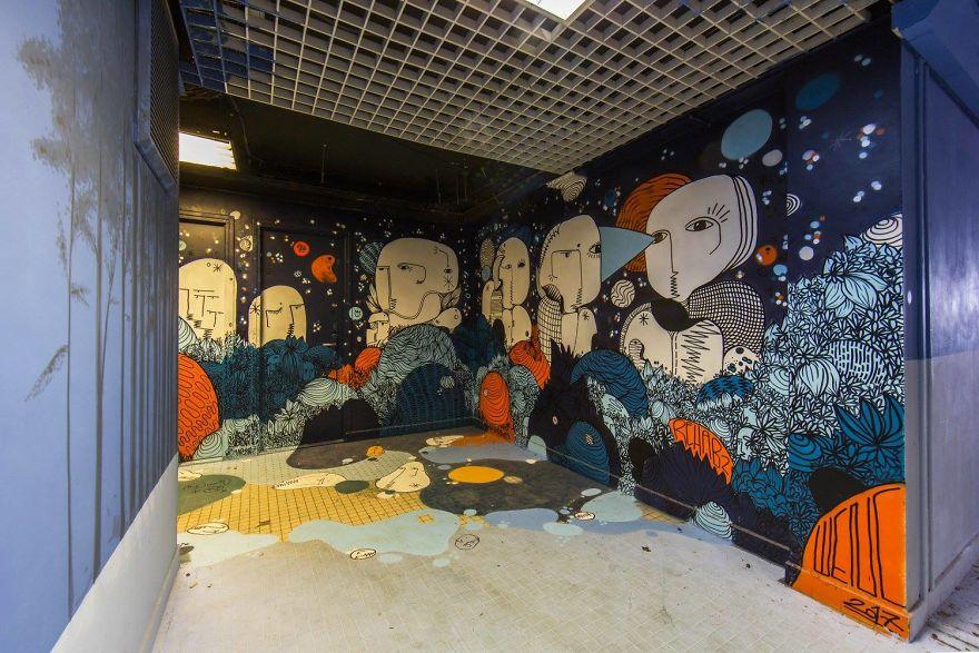 100-graffiti-artists-university-painting-rehab2-paris-596dbbf3e8045__880.jpg
