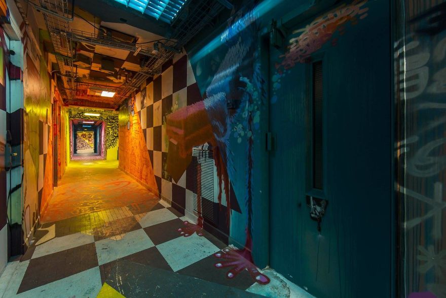 100-graffiti-artists-university-painting-rehab2-paris-9-596dae887fe69__880.jpg