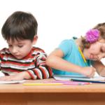 bambini scrivere a mano